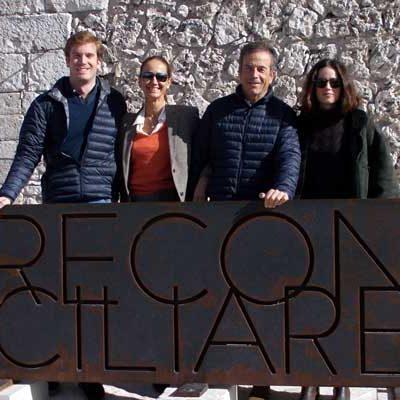 El Duque de Alburquerque visita `Reconciliare´ junto a su familia