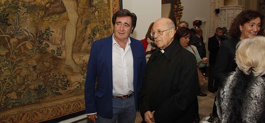 Jesús García junto al presidente de la Conferencia Episcopal en la clausura oficial de la muestra.