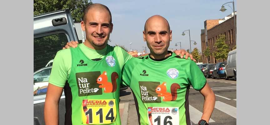 Francisco Javier y Félix González del Club Atletismo Cuéllar cerca del pódio en Santoveniade Pisuerga