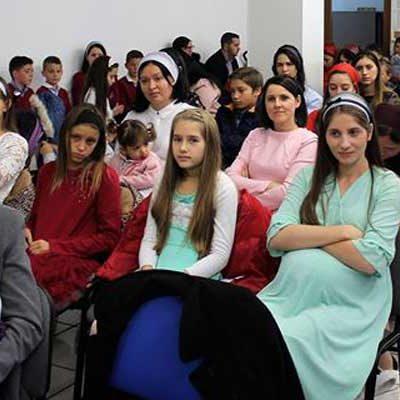 La iglesia Penticostala Rumana Eben-Ezer de Cuéllar celebra su aniversario