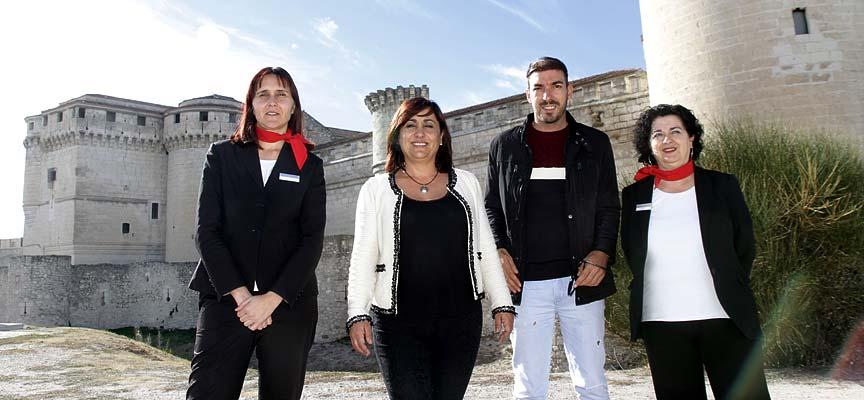 La concejala de Turismo junto a parte del equipo con el que ha trabajado en estos meses.
