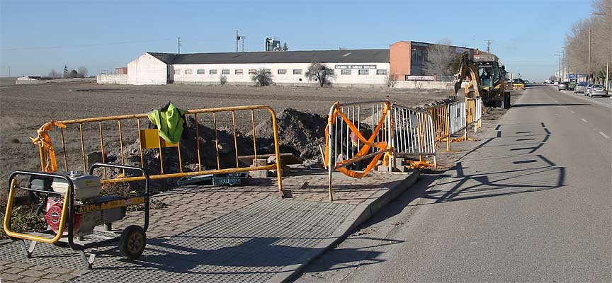 obras-carretera-Olmedo-acera