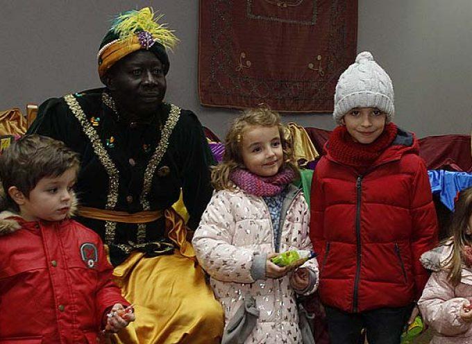 El Cartero Real visita hoy Cuéllar para recoger las cartas a los Magos de Oriente