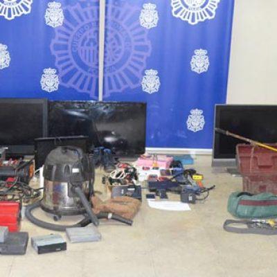 Siete detenidos en la operación de la Policía Nacional en la urbanización Fuente la Bola