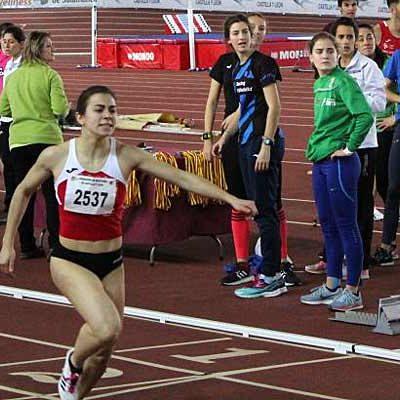 Ángela García, subcampeona de Castilla y León en el Campeonato Autonómico Absoluto en Pista Cubierta
