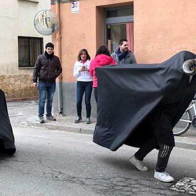 Las vaquillas de carnaval ya recorren Fuenterrebollo