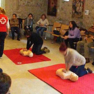 Cruz Roja instruyó en primeros auxilios a los alumnos del CEPA Antonio Herrera