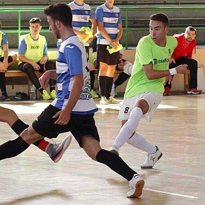 El FS Cuéllar juvenil sigue la estela del líder tras vencer sin apuros al colista