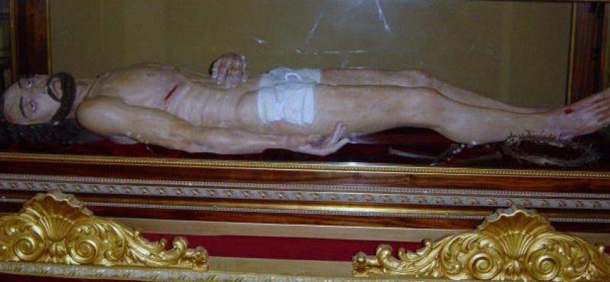 Sanchonuño procesiona las tallas más recientes de la imaginería religiosa de la provincia