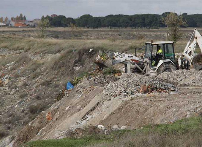 Medio Ambiente sellará una docena de escombreras en la comarca cuellarana