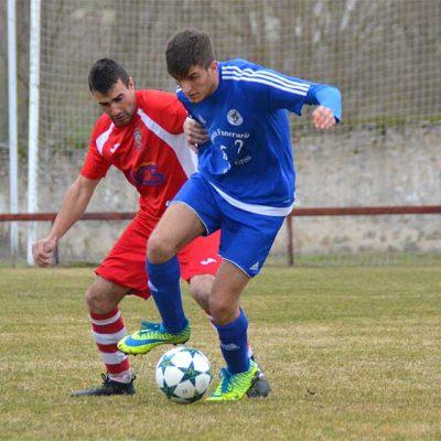 Un riguroso arbitraje priva al Cuéllar de ganar en Turégano (3-3)