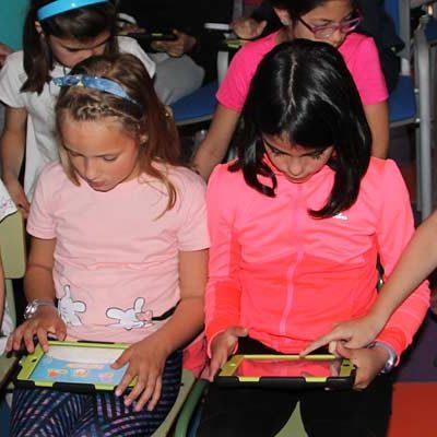 El Programa Diana llega al colegio San Gil para incentivar la presencia femenina en carreras tecnológicas