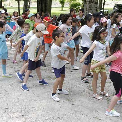Más de una treintena de niños participan en el programa multiactividades de verano