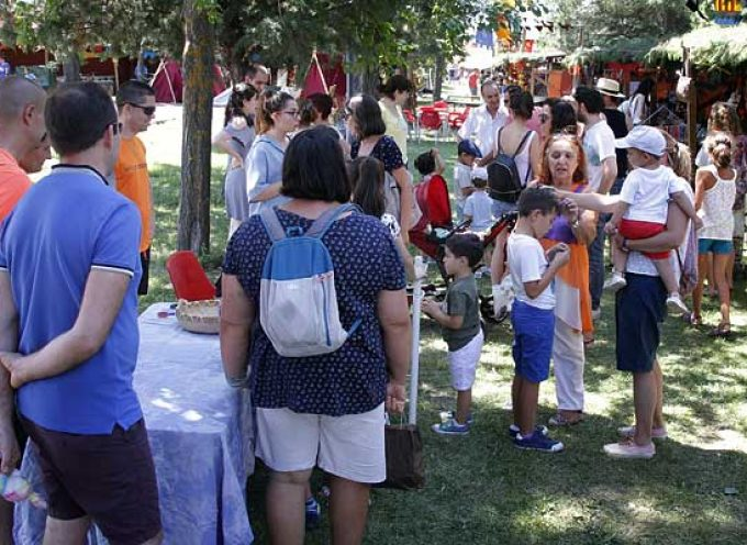 Sanchonuño invita a recorrer el mundo con su I Feria Cultural Temática