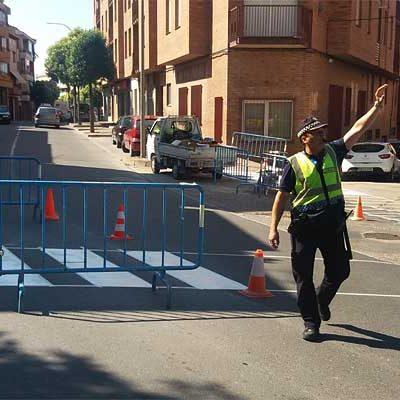Tráfico desarrolla actuaciones para mejorar el tránsito peatonal en algunas vías del municipio