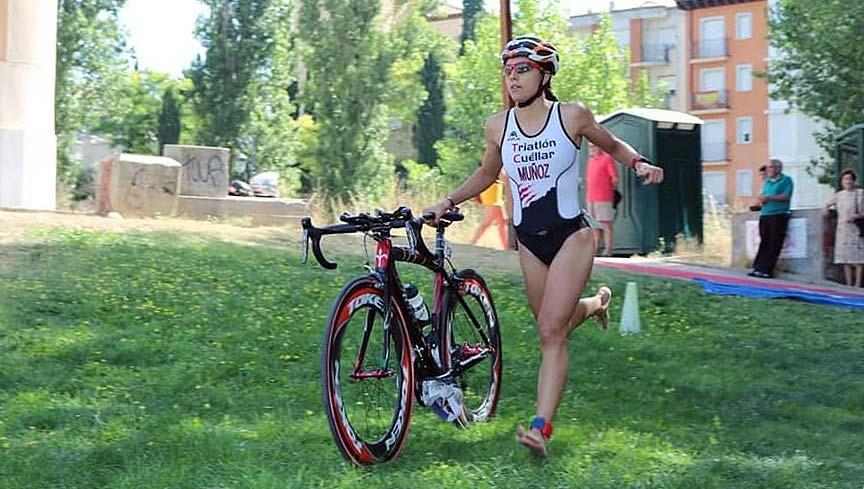 La-triatleta-cuellarana-Marina-Muñoz