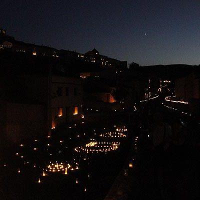 Miles de personas disfrutaron de la noche en la que el agua y el fuego tomaron Fuentidueña