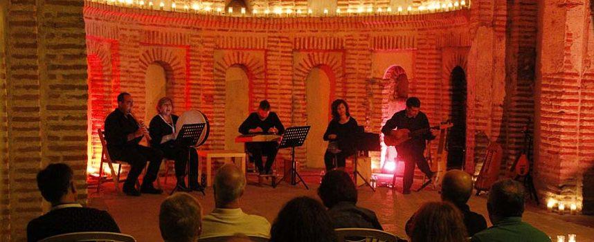 La música antigua y sefardí envolvió el ábside de Santiago