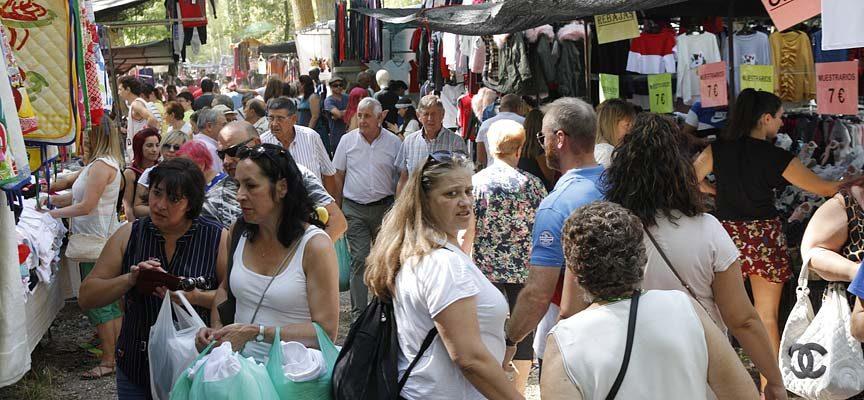 Más de 220 puestos de venta ambulante se darán cita en la Romería de El Henar