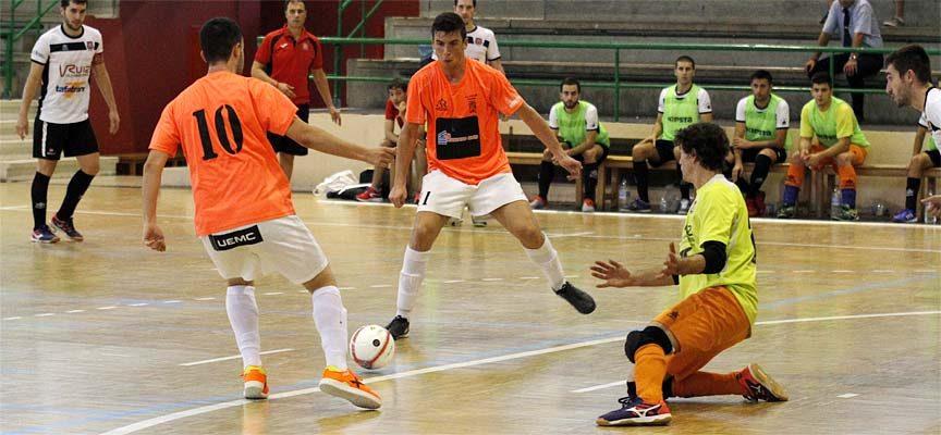 El FS Cuéllar acusa falta de puntería y cae derrotado ante el Sala 2012