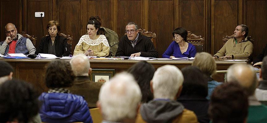Pleno-del-Ayuntamiento-de-Navas-de-Oro-escuellar