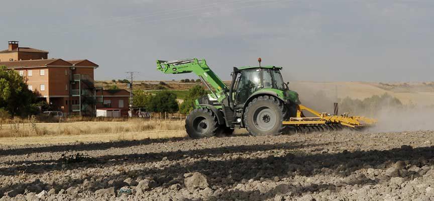 UCCL Segovia critica que los precios del gasóleo agrícola suban por encima de los del petróleo