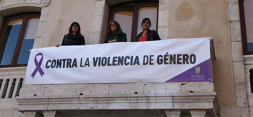 pancarta-contra-la-violencia-de-género-Cuéllar-escuellar