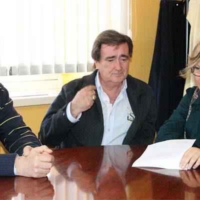 """El alcalde de Cuéllar elogia la labor de la edil de Cultura y considera """"necesaria"""" su asistencia a congresos de belenistas"""