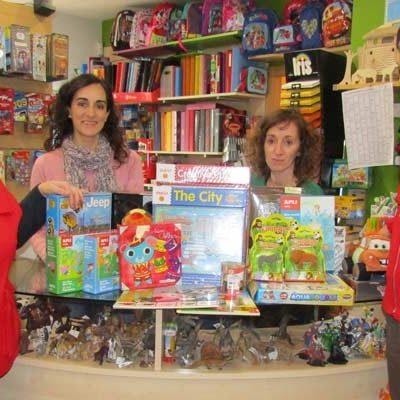 El País de Jauja dona juguetes a Cruz Roja para su campaña `Sus derechos en juego´