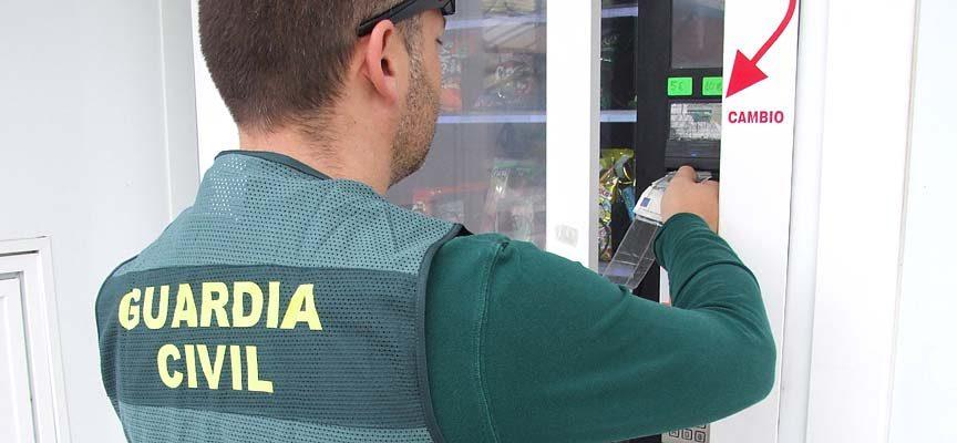La Guardia Civil esclarece un delito de estafa y daños en una máquina expendedora de un autolavado de Cuéllar