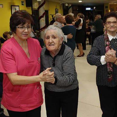 Música, baile y canto coral para celebrar la Navidad en el Centro de Día