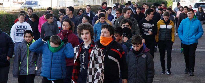 Alumnos y profesores del IES Marqués de Lozoya corrieron para conseguir un desfibrilador para el centro