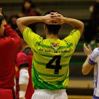 El FS Cuéllar desaprovechó ante Sala Quinto la primera ocasión de sellar la permamencia