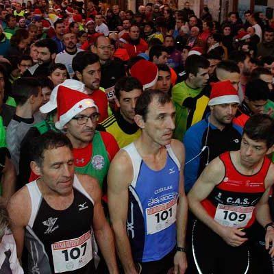 Cuatrocientos corredores cerraron el año participando en la San Silvestre cuellarana