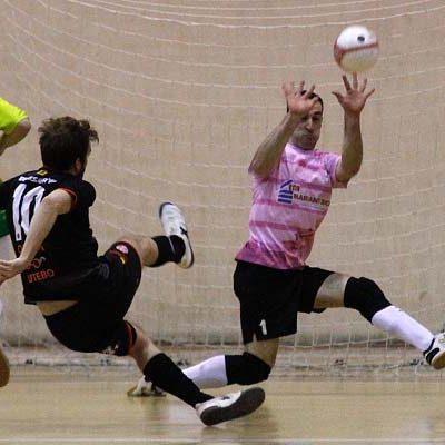 El FS Cuéllar sufre una nueva derrota a domicilio tras la remontada del AD Sala 2012