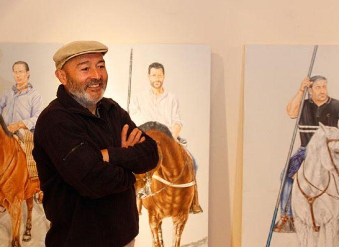 Rafael de Miguel realiza un recorrido por fiestas y tradiciones en su exposición en Las Tenerías