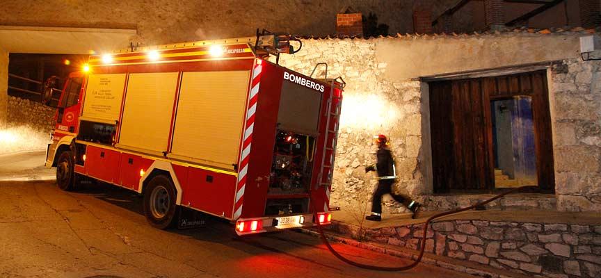 Incendio-calle-Cuevas-Cuéllar-escuellar