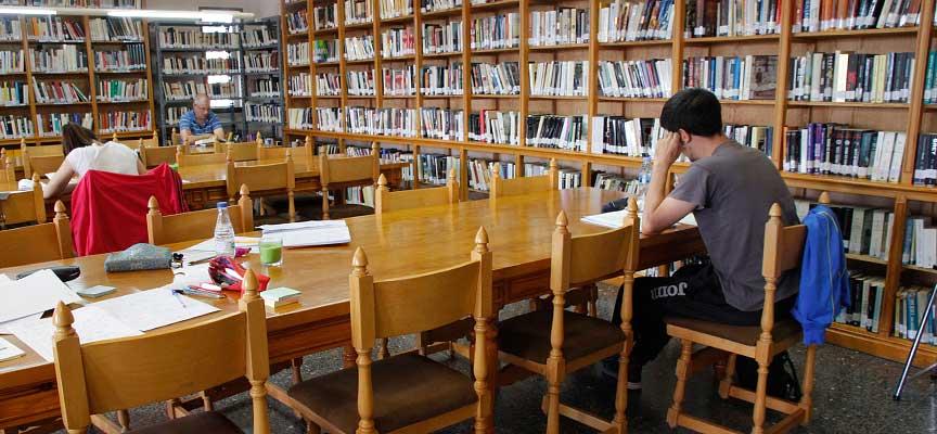 Biblioteca-Cronista-Herrera-en-Cuéllar-escuellar