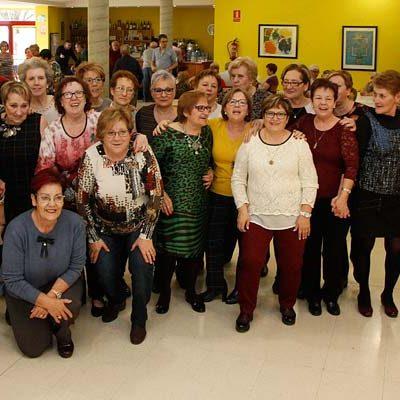 Más de un centenar de mujeres se suman en el Centro de Día de Personas Mayores a la celebración de Santa Águeda
