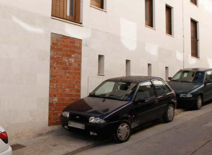 PSOE e IU denuncian la mala gestión de las viviendas de Niñas Huérfanas
