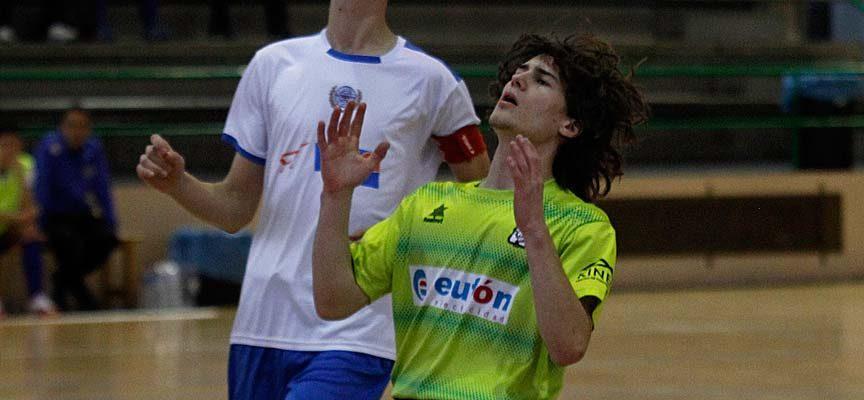El FS Cuéllar juvenil cayó derrotado en el último minuto por el cansancio y el Salamanca