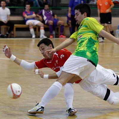 El FS Cuéllar vence al Santurtzi y casi asegura su permanencia en la Segunda B