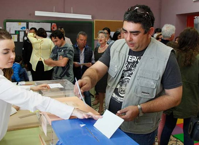 Un 37,32% de los electores de Cuéllar han depositado su voto hasta las 14.00 horas