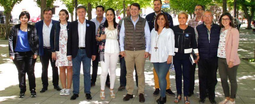 Fernández Mañueco anuncia la creación de una consejería del Medio Rural y su respaldo al centro de salud de Cuéllar