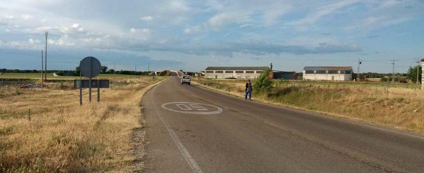 Cegafest se suma al Proyecto Libera contra la `basuraleza´ con la limpieza de los márgenes de la carretera de Bahabón