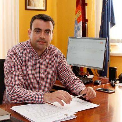 El alcalde de Cuéllar tendrá un sueldo de 36.000 euros y de 30.000 las ediles liberadas