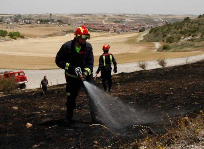 Un pequeño incendio en el paraje de Las Lomas moviliza medios humanos y de extinción