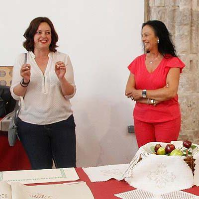 San Francisco acoge la muestra de labores fin de curso de la Asociación Virgen de El Henar y el Centro de Día
