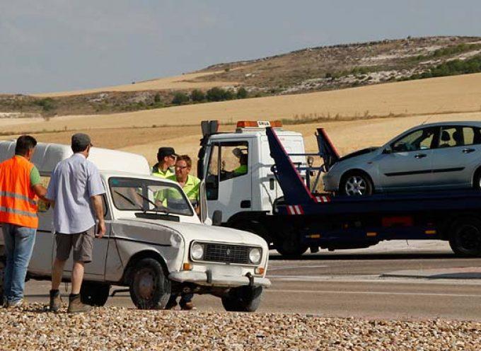 Un vehículo colisiona con una furgoneta en la SG-205 junto al polígono Prado Vega
