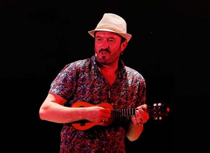 Música, humor e improvisación con Álex O`Dogherty en el cierre de Festeamus